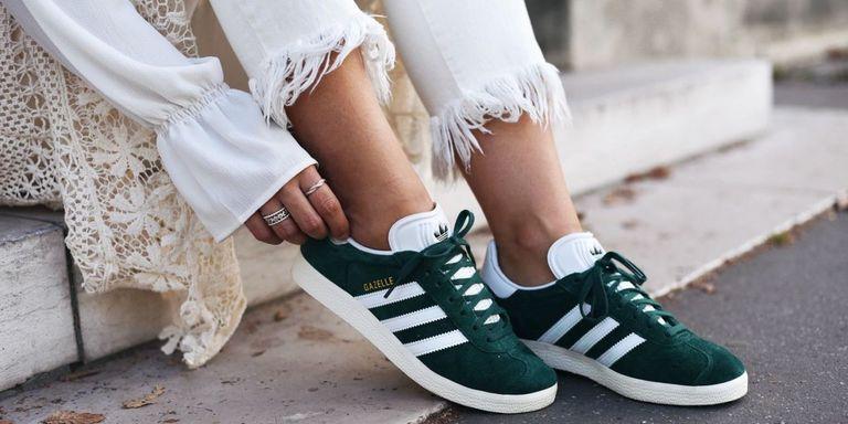 10 formas de integrar las zapatillas en tus looks de verano