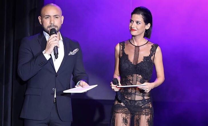 Ares Teixidó viste de YolanCris y triunfa como presentadora en Miss World Spain