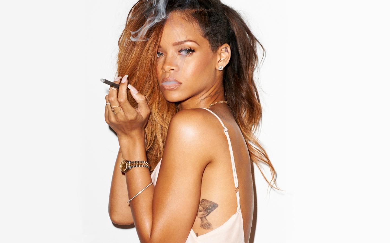 Rihanna-fondo-de-pantalla