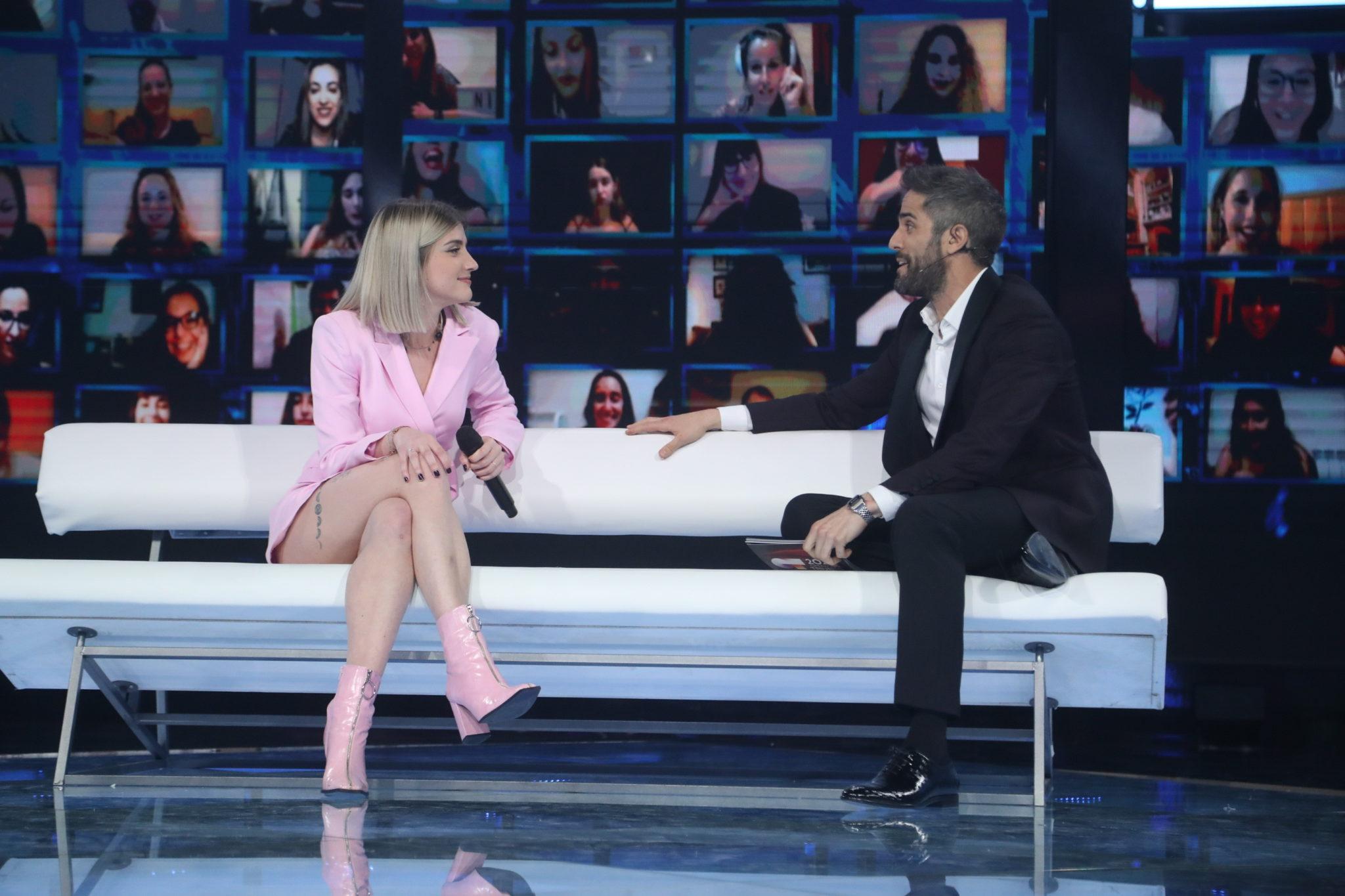 Samantha (OT 2020) entrevistando a Roberto Leal