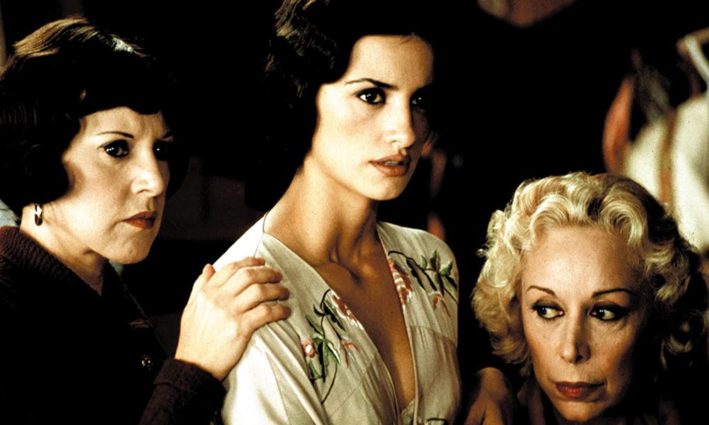 Loles León junto a Penélope Cruz y Rosa María Sardá en