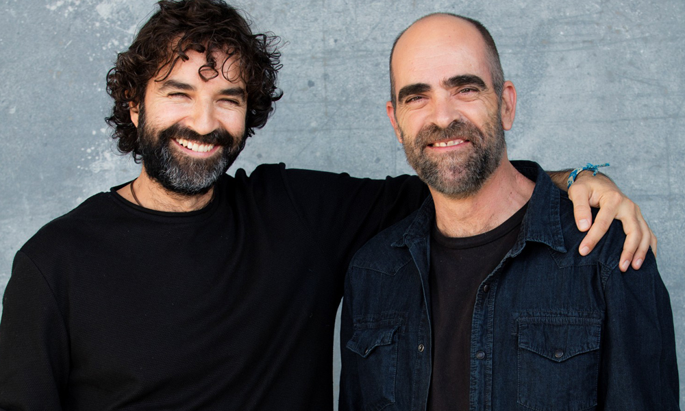 Mateo Gil y Kuis Tosar, creador e intérprete de la próxima miniserie de Netflix